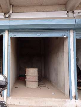 An on road shop for rent