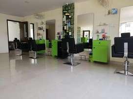 Unisex hair and beauty salon