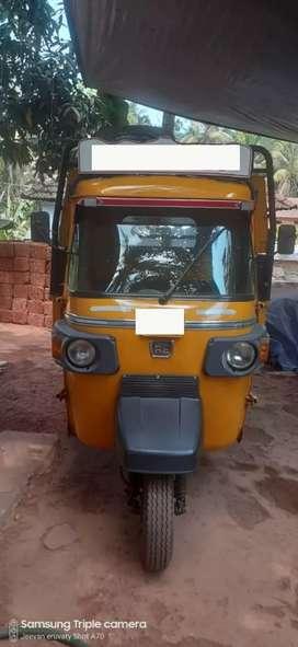 Bajaj maxima goods auto