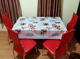 Meja makan 4 kursi warna merah