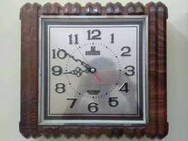 transistor jam dinding antik kuno jadul
