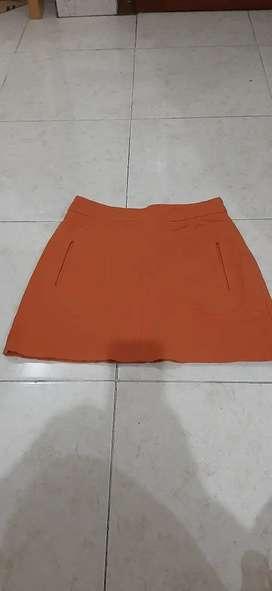ZARA rok dengan kantong depan.condition 9.5 out of 10.