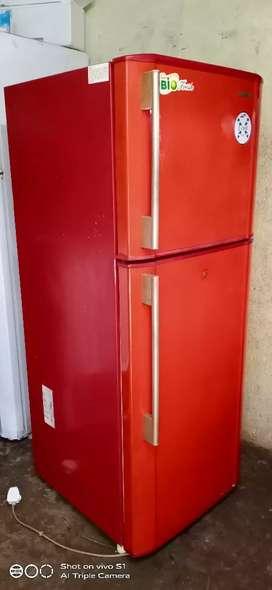 Samsung 250 liter refrigerator is good condition