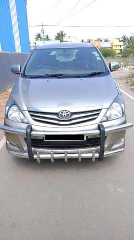 Toyota Innova 2.5 V 7 STR, 2009, Diesel