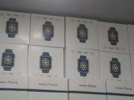 Smart watchs whloe sell price (box pack 6 mounth warranty)