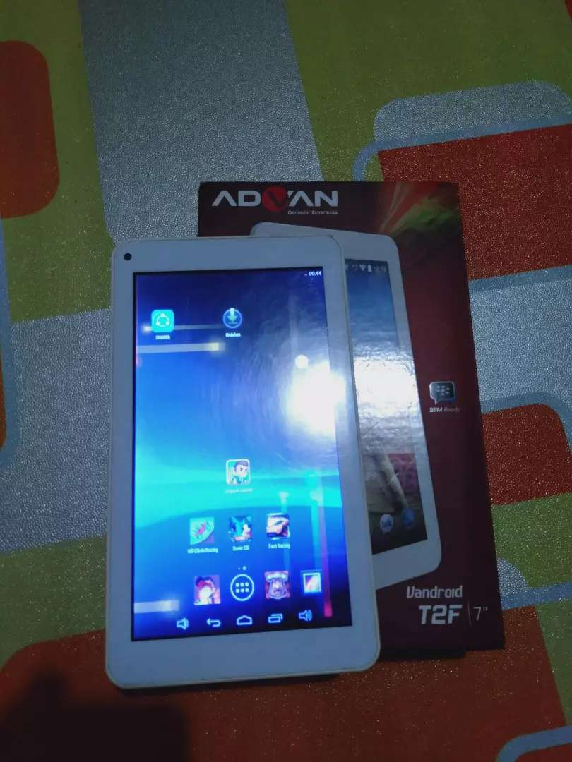 Tablet advan T2F 0