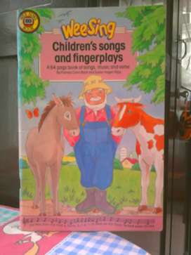 Buku Weesing Childrens's songs & Fingerplays (  pamela cb, susan hn )
