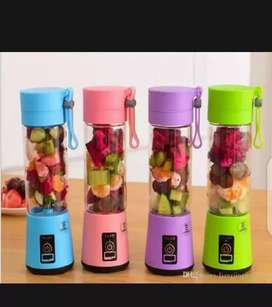 Rechargeable juicer electric blender