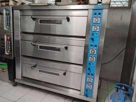 Oven deck gas 3 pintu isi 9 loyang merk Sinmag Taiwan seconf murah