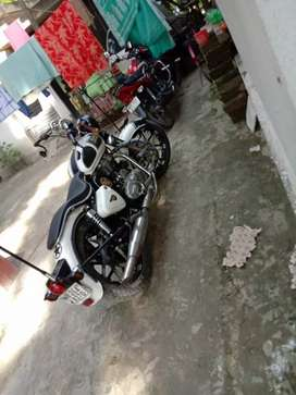 Royal Enfield 350cc +classic /1year11 Mount