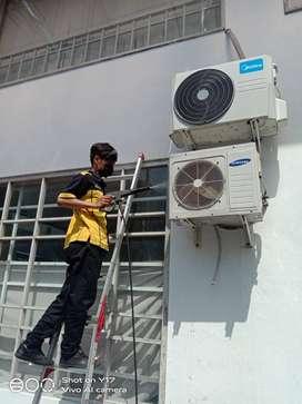 jasa cleaning AC,servis AC dan pasang AC dan instalasi listrik 24 jam