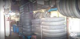 TYRE FITTING AND TYRE PUNCTURE JOB