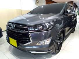 Toyota Innova VENTURER Diesel AT 2020 - Istimewa - Grey on Black