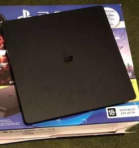 Ps4 normal 500gb with 20games and one controller and warranty