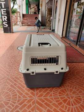 IATA approved pet carrier for mid size dogs and other pets