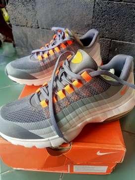 Sepatu Nike Lunarglide 6 AirMax