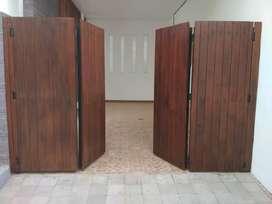 Pintu gerbang lipat bahan kayu