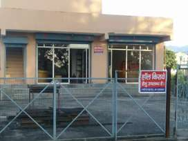 Showroom in rent kaladhungi bypass road