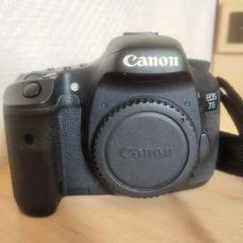 CANON EOS 7D + Lensa fix 50mm