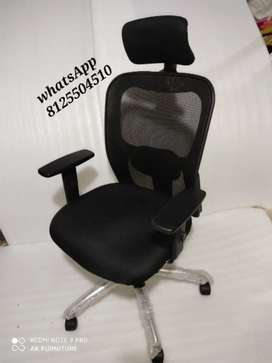 Heavy quality head rest office chair