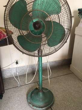 GFC pedestal fan