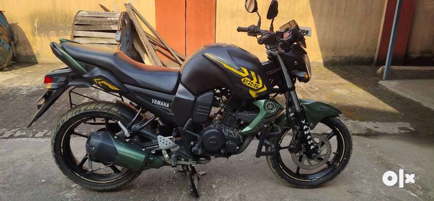 I have purchase Yamaha FZS military color in 2015. 0