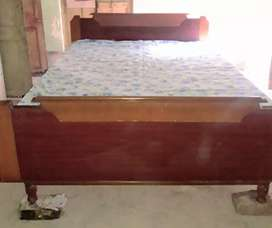5' 7' double bed. Without box.