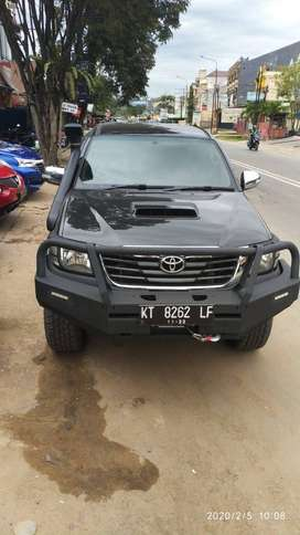 Toyota Hilux G 2.4cc 4x4 2012 double cabin manual