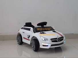 Mobil Mainan Aki PMB M 5688 MORAINE Putih