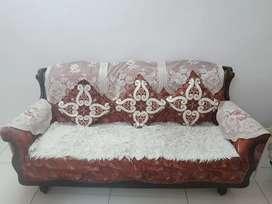 5 Seater Sofa Set(3+1+1)(Price Negotiable)