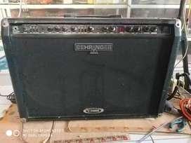 "Ampli / kyub Behringer v-tone 2x12"""