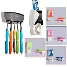 Dispenser odol + tempat sikat gigi