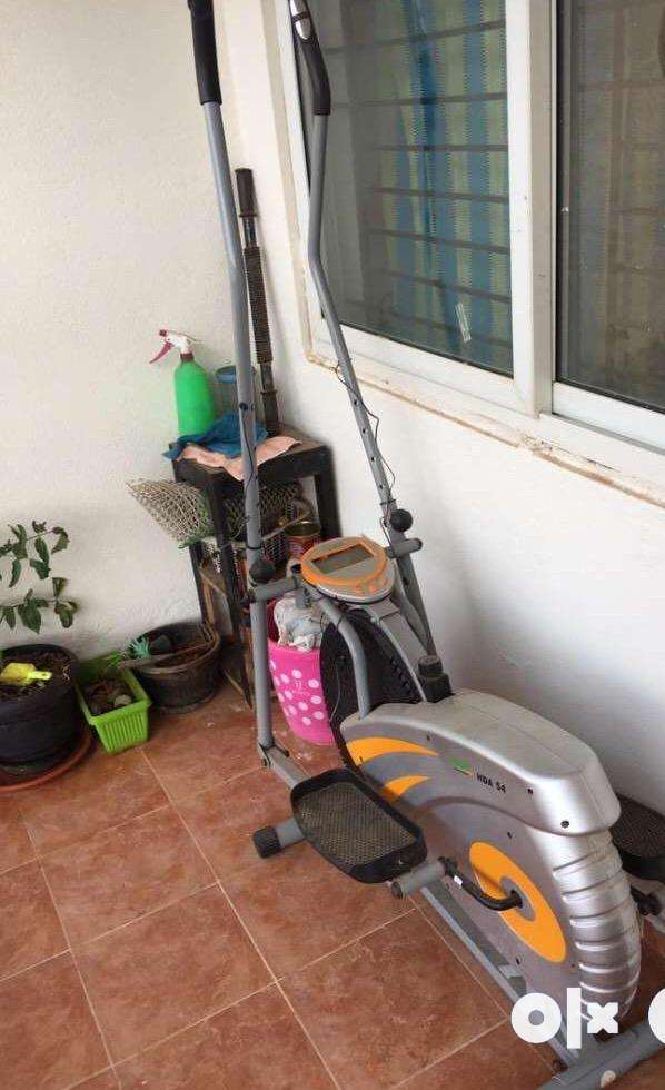 Cross Trainer hardly used new one 0