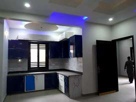 200gaz double story in Isra village banglow for sale
