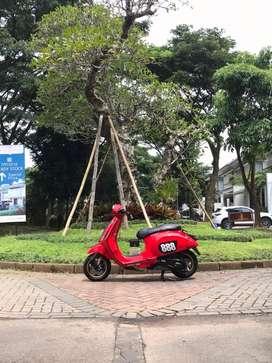 Vespa Primavera iGet 2017 Merah Istimewa