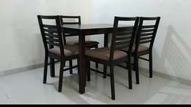 Nilkamal dining set