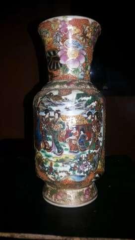 Guci kecil keramik