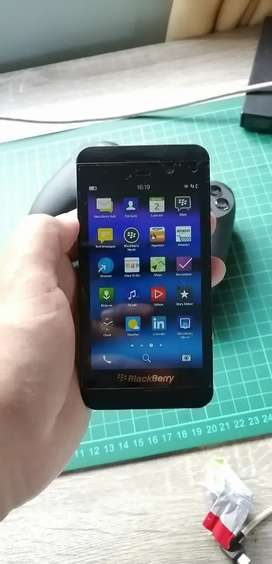 BLACKBERRY Z10 SIMPANAN COLLECTOR ITEM ISTIMEWA
