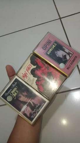 Jual kaset iwan fals ada 3 biji masih ada cover nyah