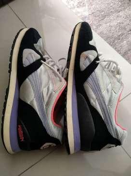 Sepatu bekas Puma 42