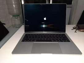 Macbook pro A1502  2015 model I5 8gb 512gb 13.3 inch retina display