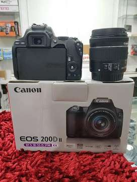 Canon 200d mark 2 with 18-55 | 55-200 | 50 mm
