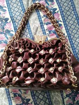 I bought purse for my girlfriend but she doesn't like