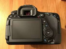 Canon EOS 80d Dslr Camera two battery