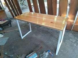 Meja laptop meja komputer kaki besi kayu mahoni atau jati belanda MLG
