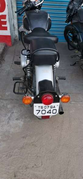 Selling is good condition bike