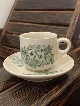 Cangkir kopi tradisional bahan keramik