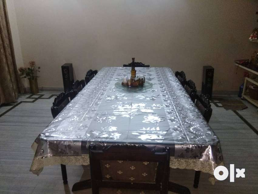 Dining Table (8 Seater) 0