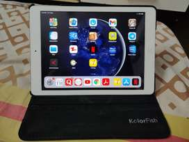 Apple ipad air tablet 16gb. 10 inch.Wifi. 8-9 hrs battery backup.