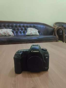 Canon 5d Mark 2 body only + memory cf
